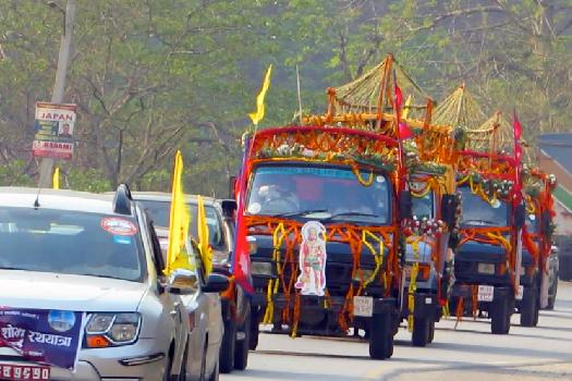 राम, सीता, लक्ष्मण र हनुमानको मूर्ति देवघाट पुग्यो