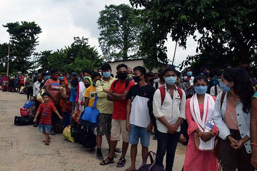 दशैंको मुखमा भारत फर्किनेको नाकामा भीड